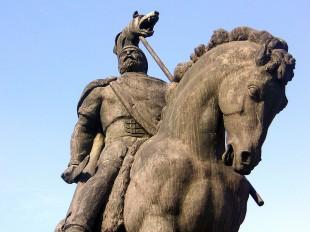Decebal - statuie ecvestră din bronz, Deva
