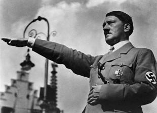 Adolf Hitler în 1937